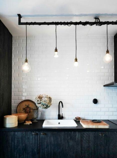 cocina-con-azulejos-blancos-metro