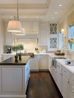 una casa decorada estilo cape cod nova te asesora. Black Bedroom Furniture Sets. Home Design Ideas