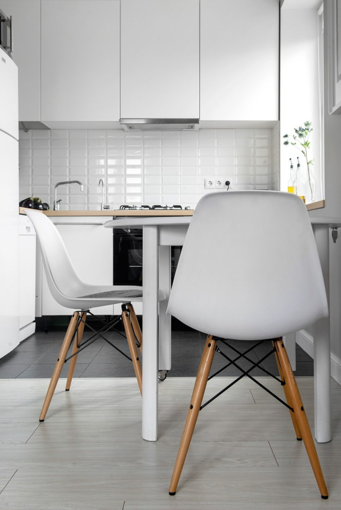 Closer-View-Kitchen-Chairs-to-Inspire-Smart-Homeowners-Black-and-White-Kitchen-Flooring-and-Clean-White-Kitchen-Cabinetry-936x1402