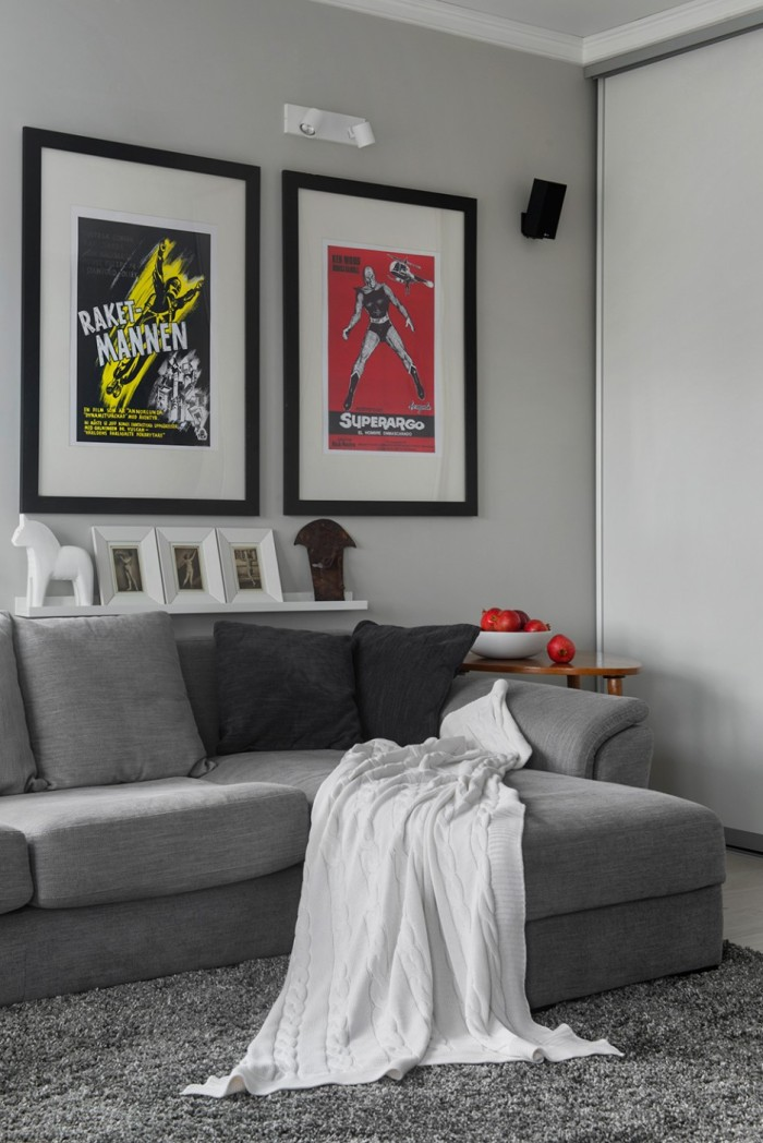 Great-and-Harmonic-Grey-Tone-Levels-Combination-to-Coolen-the-Family-Room-Displayed-Fabric-Sofa-and-Grey-Rug-with-Superhero-Pictures-Wall-936x1402