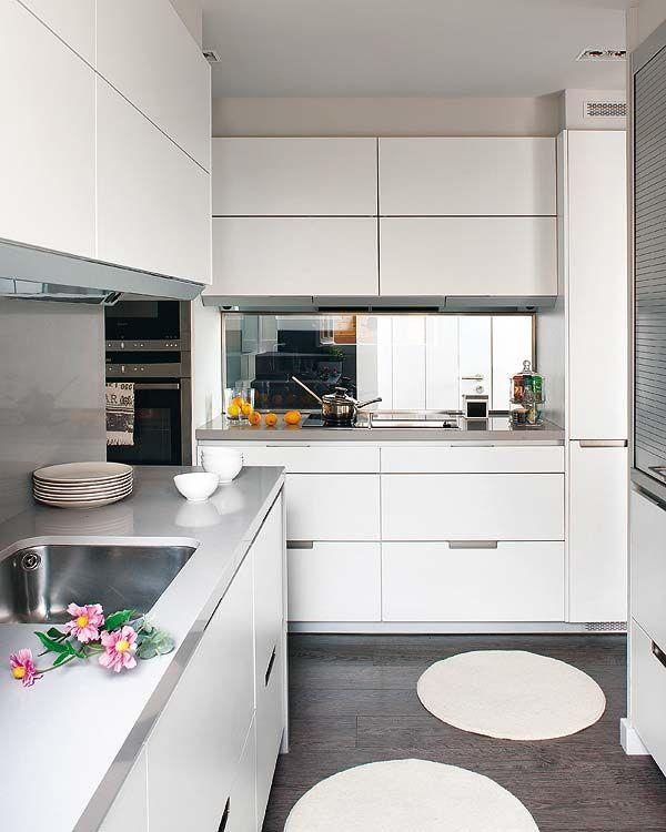 Cocinas con muchas soluciones que enamoran nova te asesora for Cocinas super pequenas
