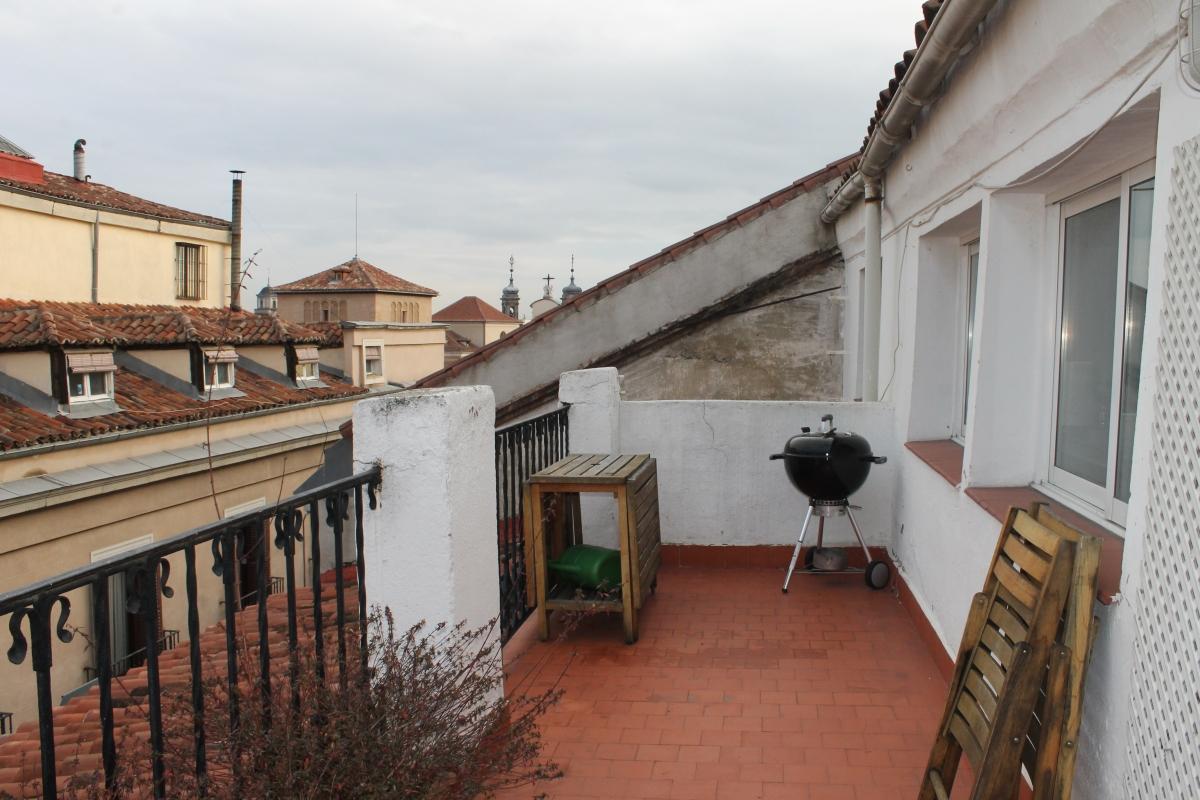 Vivir en madrid en un piso con terraza nova te asesora for Pisos con terraza madrid