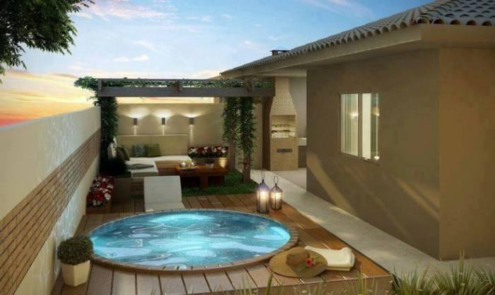 Piscinas que se adaptan perfectamente a espacios peque os for Piscinas en patios muy pequenos