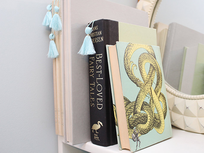 bookshelf-4